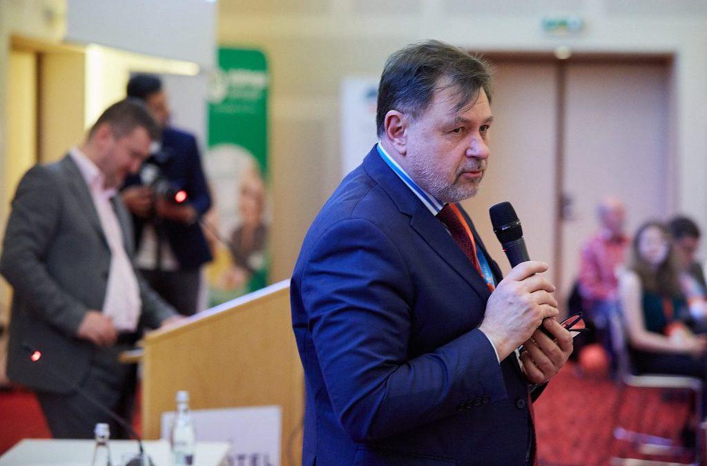 Alexandru Rafila: Antibioticele sunt folosite fără discernământ de persoane cu COVID-19 sau care încearcă să prevină infecţia