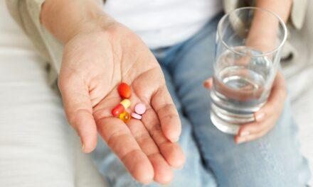 Cercetările confirmă că există o legătura între utilizarea antibioticelor și un risc crescut de cancer de colon